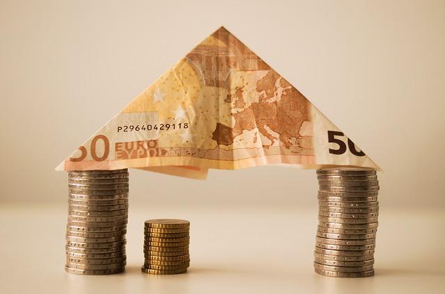 Kredyt hipoteczny, co to jest i czym się różni od kredytu mieszkaniowego?
