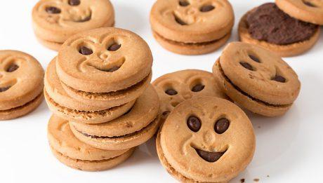 Niebezpieczne składniki w słodyczach – co oprócz cukru może truć w słodkich przekąskach?