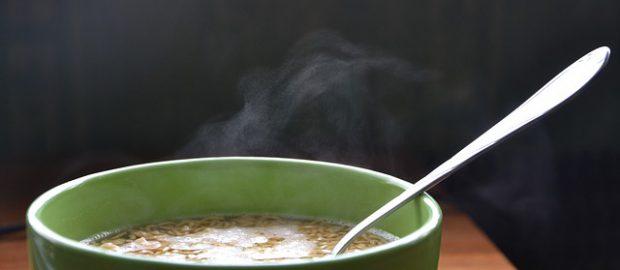 Zupa błyskawiczna w misce