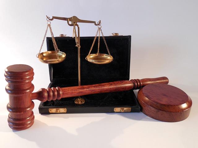 Atrybuty sądowe