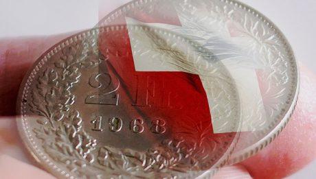 Polacy systematycznie spłacają kredyty we frankach