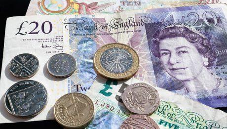 Czy Brexit ma wpływ na niski kurs funta? Co się dzieje z brytyjską walutą?