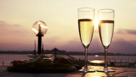 Czy Prosecco się kończy? Włosi chcą ograniczyć produkcję popularnego wina!
