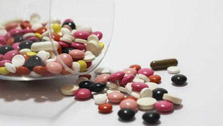 Czy to prawda, że Polacy nałogowo szprycują się lekami?