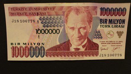 Jak Turcja walczy z kryzysem walutowym?
