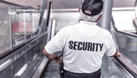 Czy ochroniarz ma prawo przeszukać nas, przeszukać torebkę? Gdzie najczęściej przeszukuje ochrona?