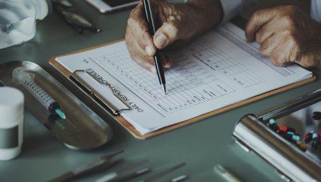 Czym zajmuje się psycholog kliniczny, ile zarabia?