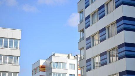 Jak ubezpieczyć mieszkanie? Popularne oferty ubezpieczeń majątkowych