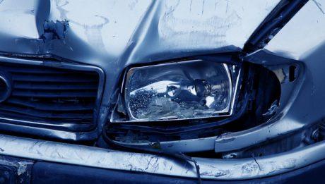 Na co zwracać uwagę wybierając ubezpieczenie komunikacyjne? Gdzie wykupić OC i AC samochodu?