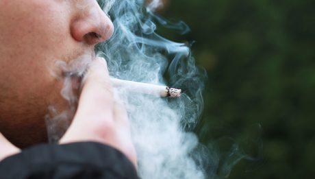 Mandat za palenie papierosów – w jakich miejscach możesz dostać?