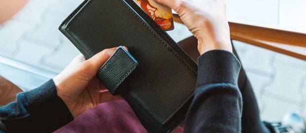 Portfel z kartą bankomatową