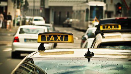Taksówki mają nową konkurencję – obok Ubera na rynku pojawił się Taxify.
