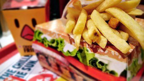 Najdziwniejsze dania w fast foodach! Czy to można zjeść?