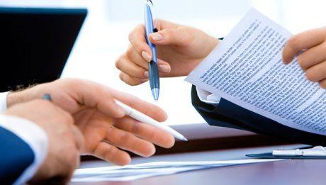 Umowa kredytowa – co powinno znaleźć się w umowie o kredyt gotówkowy, hipoteczny, konsolidacyjny?
