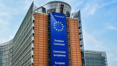 Komisja Europejska a sprawa polska – niekorzystne decyzje KE dla Polski