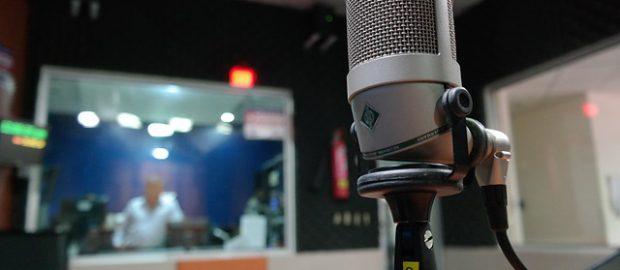mikrofon w studiu