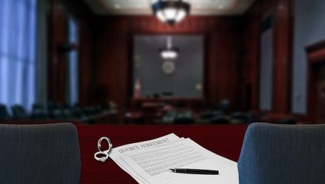 Kredyt po rozwodzie, kto spłaca kredyt na mieszkanie po rozwodzie?