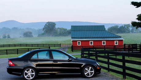 Kredyt samochodowy czy leasing? Jakie finansowanie samochodu w firmie wybrać?