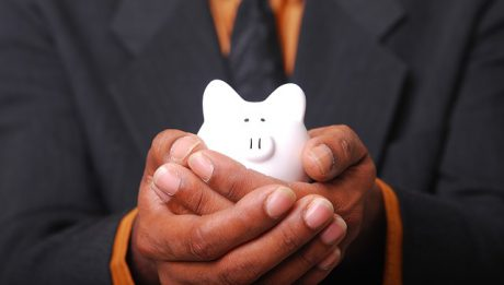 Kredyty gotówkowe, hipoteczne dla obcokrajowców – jakie są procedury?