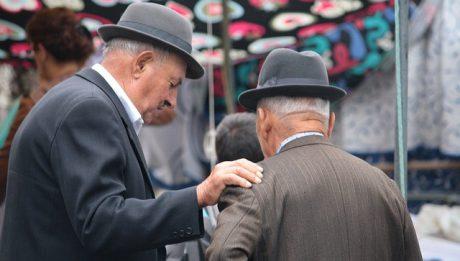 W jakim wieku na emeryturę? Najważniejsze pytania o wiek emerytalny