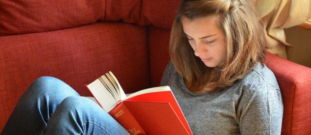Studentka z książką