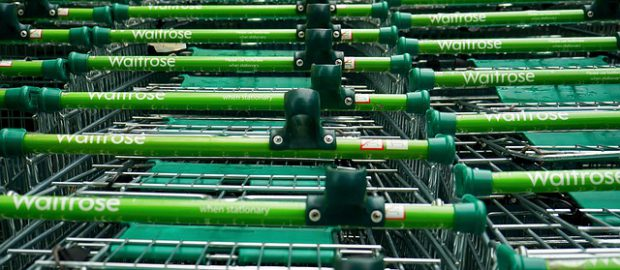 Wózki w supermarkecie