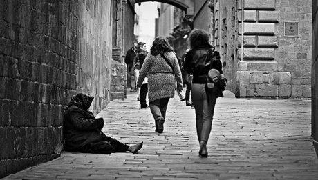 Pomoc dla ubogich i bezrobotnych – na jaką pomoc od państwa mogą liczyć?