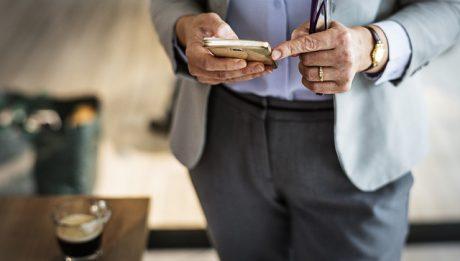 Co to jest BLIK? Jak korzystać z płatności BLIK?