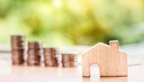 Oprocentowanie zmienne czy stałe w kredycie hipotecznym? Co bardziej się opłaca?