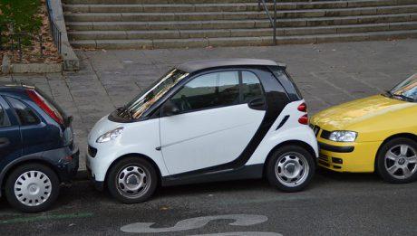 Gdzie nie wolno parkować auta? Co mówią przepisy?