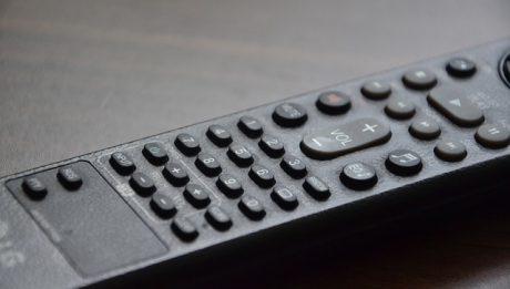 Prawa klientów operatorów telewizji – o czym klient powinien wiedzieć?