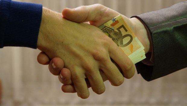 Przekazanie pieniędzy