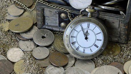 Kredyt z odroczoną spłatą – na czym polega, wady i zalety odroczenia spłaty kredytu