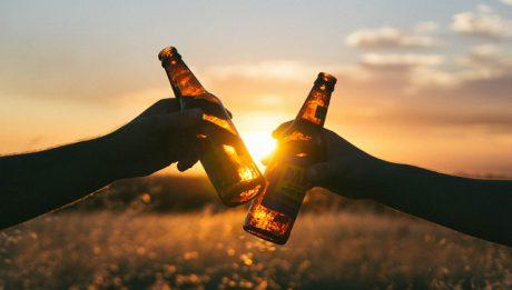 Ile piwa, wódki i wina  wypijają Polacy?