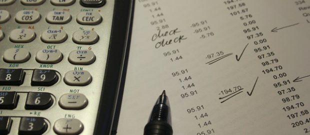 Wyliczenia na kartce, kalkulator
