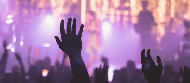 Ludzie na koncercie