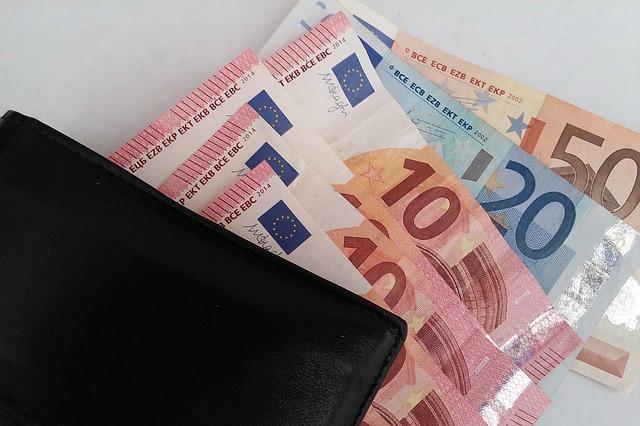 Chwilówka, pożyczka na prawo jazdy – czy jest możliwa? Jak wziąć.Pożyczki udzielane przez parabanki to jeden z najłatwiejszych sposobów na  szybkie zdobycie gotówki. Najczęściej do otrzymania chwilówki będziemy  potrzebować ...