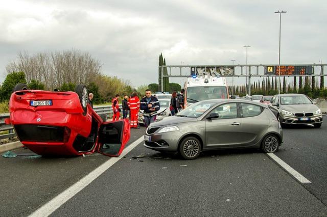 wypadek-stłuczka-ubezpieczenie-auta