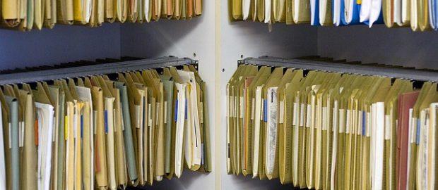 Dokumenty i akta w archiwum