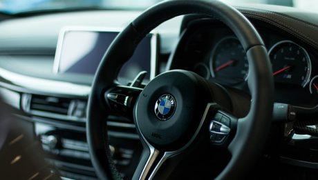 Ile kosztuje długoterminowy wynajem aut? Czy to się opłaca dla firm?