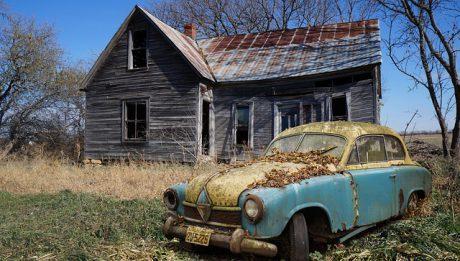 Jak kupić auto za granicą? Formalności i opłaty podczas samodzielnego sprowadzania samochodu z zagranicy.