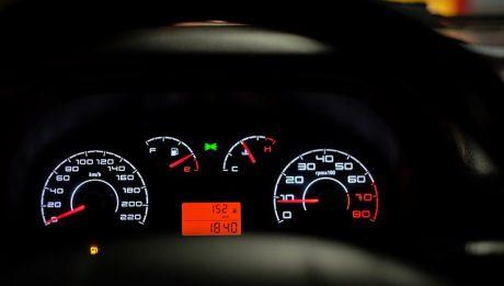 Car-sharing – co to jest, na czym polega? Kto odpowiada za stłuczkę autem na minuty?