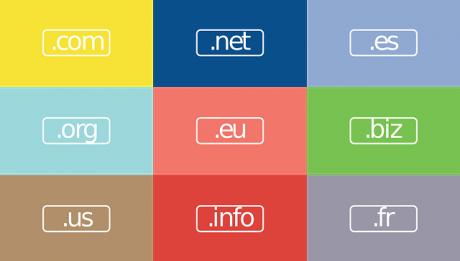 Założenie strony internetowej – ile kosztuje własna domena, a ile hosting? Od czego zależy, ile kosztuje rejestracja domeny?