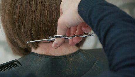 Czy warto zostać fryzjerem? Ile zarabia fryzjer?