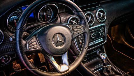 Kto musi posiadać OC auta? Jakie są kary za brak OC?