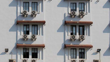 Ile kosztuje klimatyzacja do domu i mieszkania? Jakie są koszty urządzeń, montażu i eksploatacji?