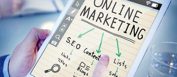 Tablet ze strategią marketingową