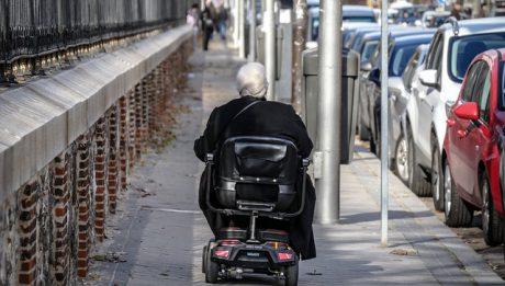 niepełnosprawna kobieta