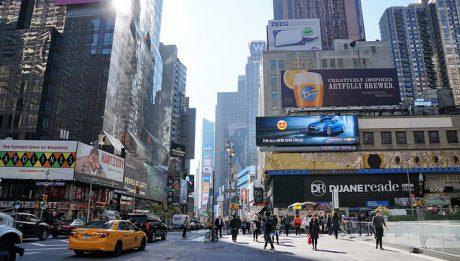 Ceny usług reklamowych: ile kosztują ulotki, plakaty, billboardy?
