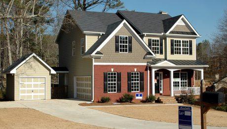 Koszty kredytu hipotecznego to nie tylko oprocentowanie – jakie opłaty przy kredycie hipotecznym?